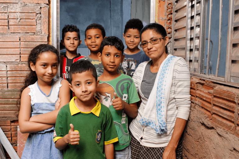 Suelli e sua família transformaram a sua casa! Foto: Jade Mascarenhas/Habitat Brasil